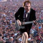 AC/DC – Angus Young im Interview: Kleiner Mann, was nun???