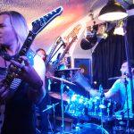 SAINTED SINNERS – rockten Jonnys Lion Cave in Trübbach, CH! Aber sowas von!