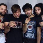 """THE WEIGHT – Österreichs Vorzeige-Retro-Rocker haben ein neues Video zum Song """"Rich Man's Pride"""" gedreht und machen damit jetzt auf billige Sklaven-Telenovela!"""